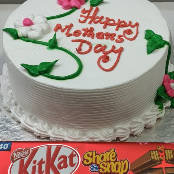Mothers Day Cake with Kitkat